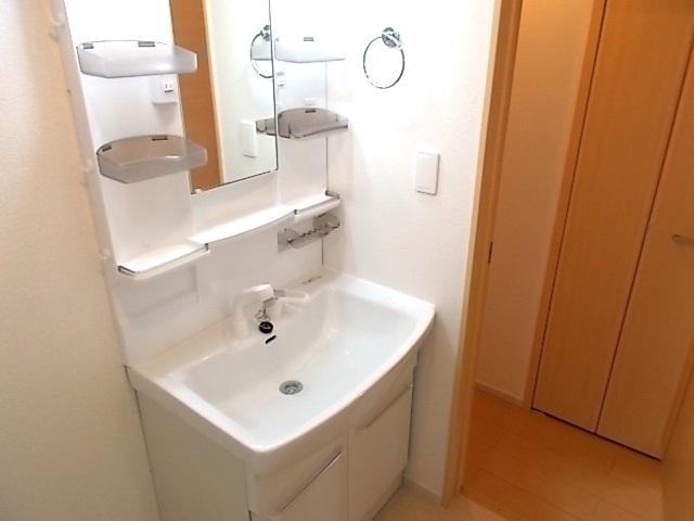 ルー・ハーモニー 02020号室の洗面所
