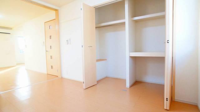 レジェンドⅥ 02050号室の収納