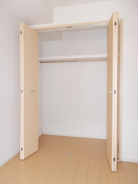 サニーガーデン 02040号室の収納