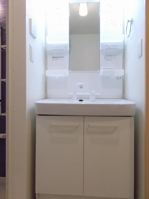 サニーガーデン 02040号室の洗面所