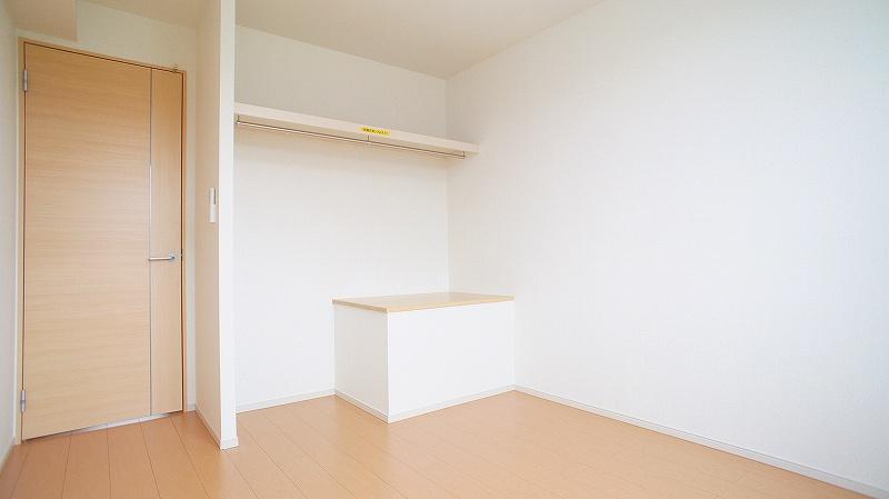 エトワール壱番館 02040号室の収納