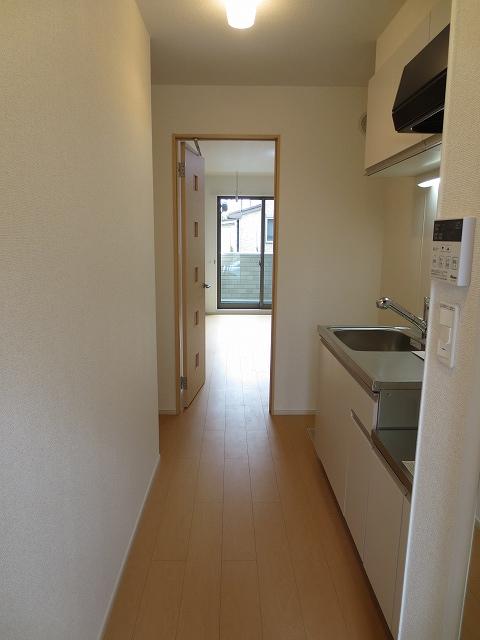 エコソラージュB 01030号室の玄関