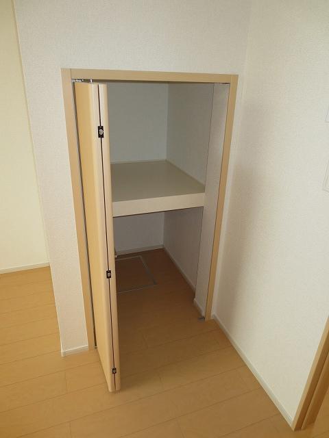 エコソラージュB 01030号室の収納