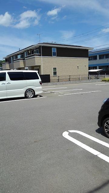 カーサ・アルマーレⅡ 01040号室の駐車場
