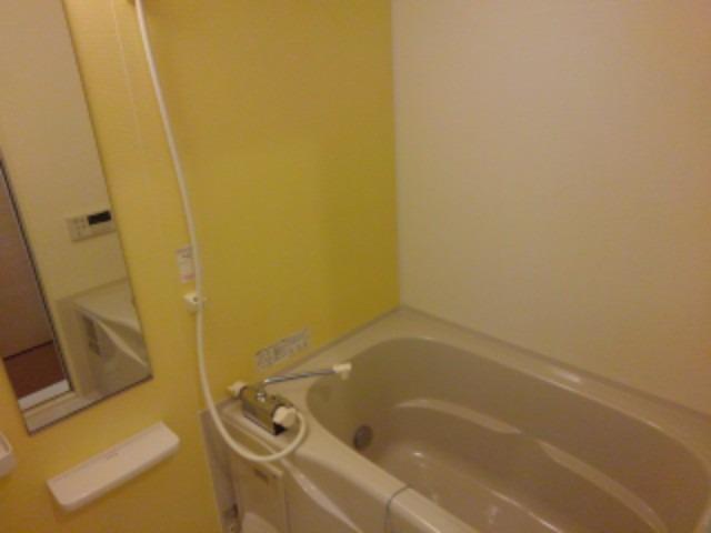 カモミールD 01030号室の風呂