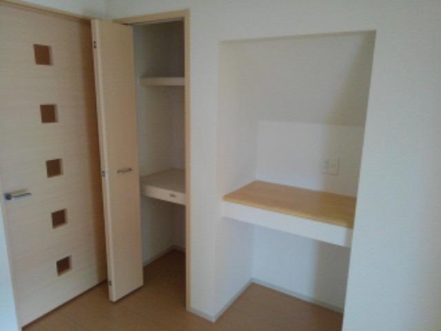 カモミールD 01030号室の居室