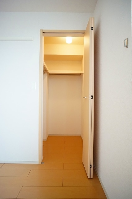 チャンプ ヴィレージ B 02020号室のバルコニー
