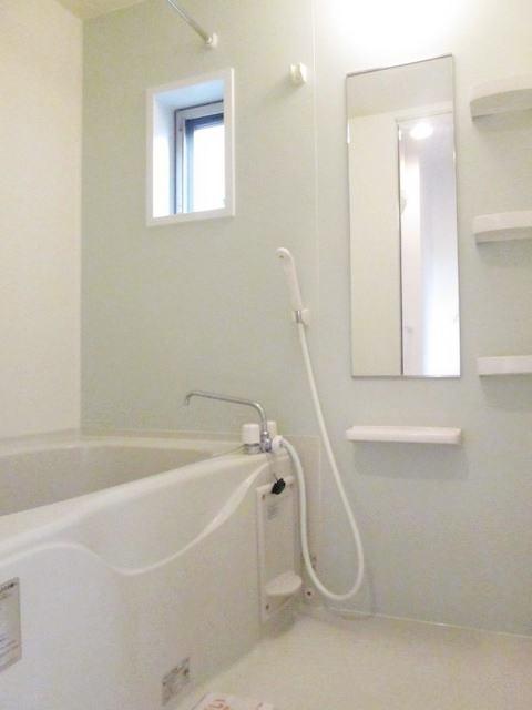 フラットH Ⅱ 01020号室の風呂