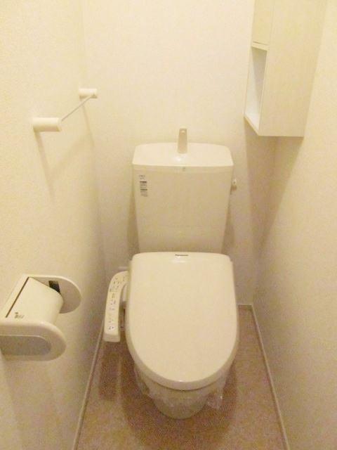 フラットH Ⅱ 01020号室のトイレ