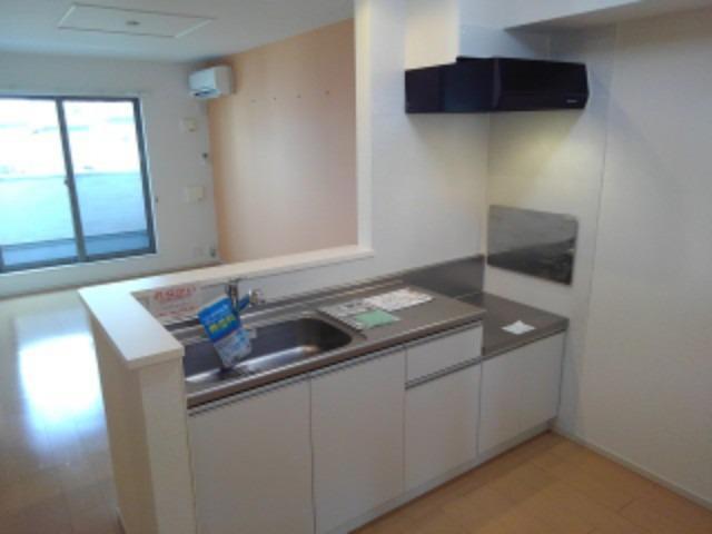 メゾンド・フローラⅠ 02030号室のキッチン
