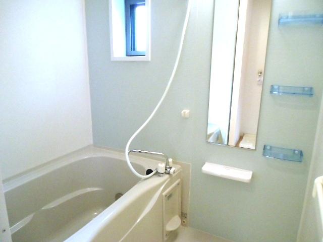 ティン・グローブⅥ 01020号室の風呂