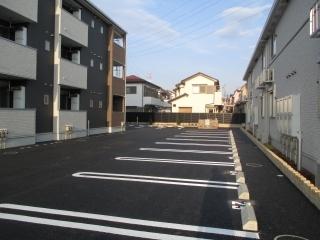 ティン・グローブⅥ 01020号室の駐車場