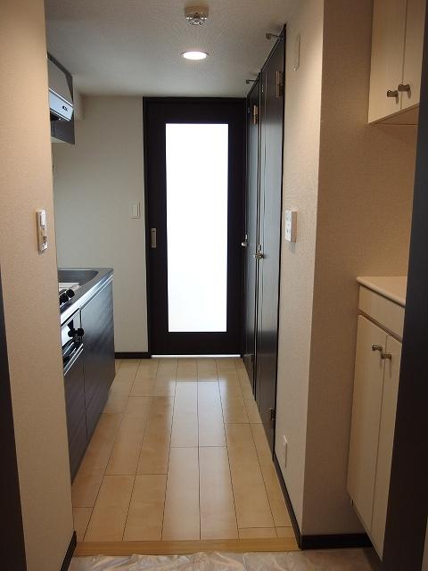 カルム ブローテ 01010号室の玄関