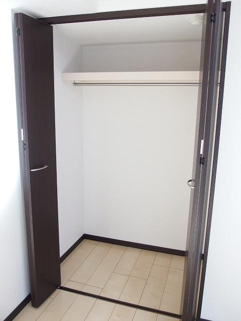 カルム ブローテ 01010号室の収納