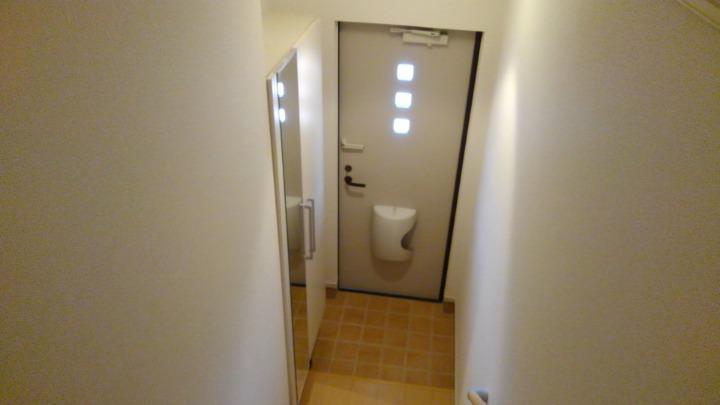 メルティング・ポット羽生 02050号室の玄関