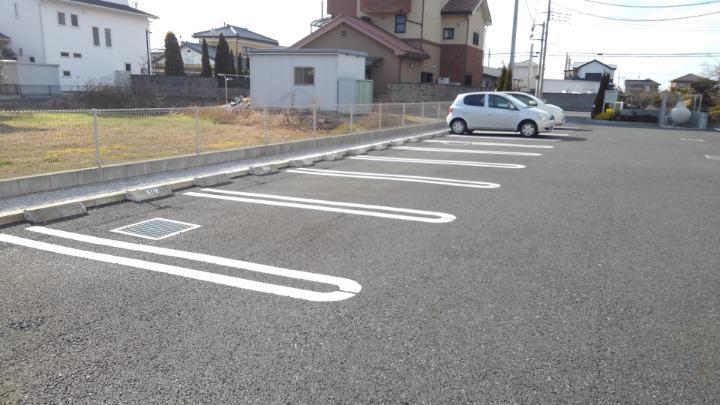 メルティング・ポット羽生 02050号室の駐車場