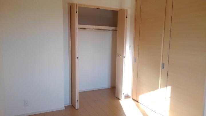 メルティング・ポット羽生 02050号室の収納