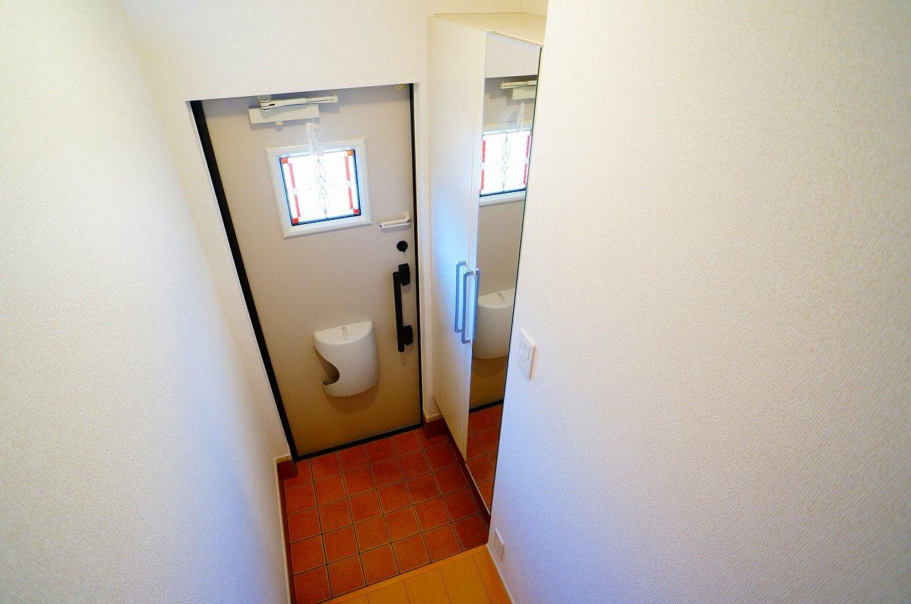 グラン ベルテ Ⅰ 02040号室の玄関