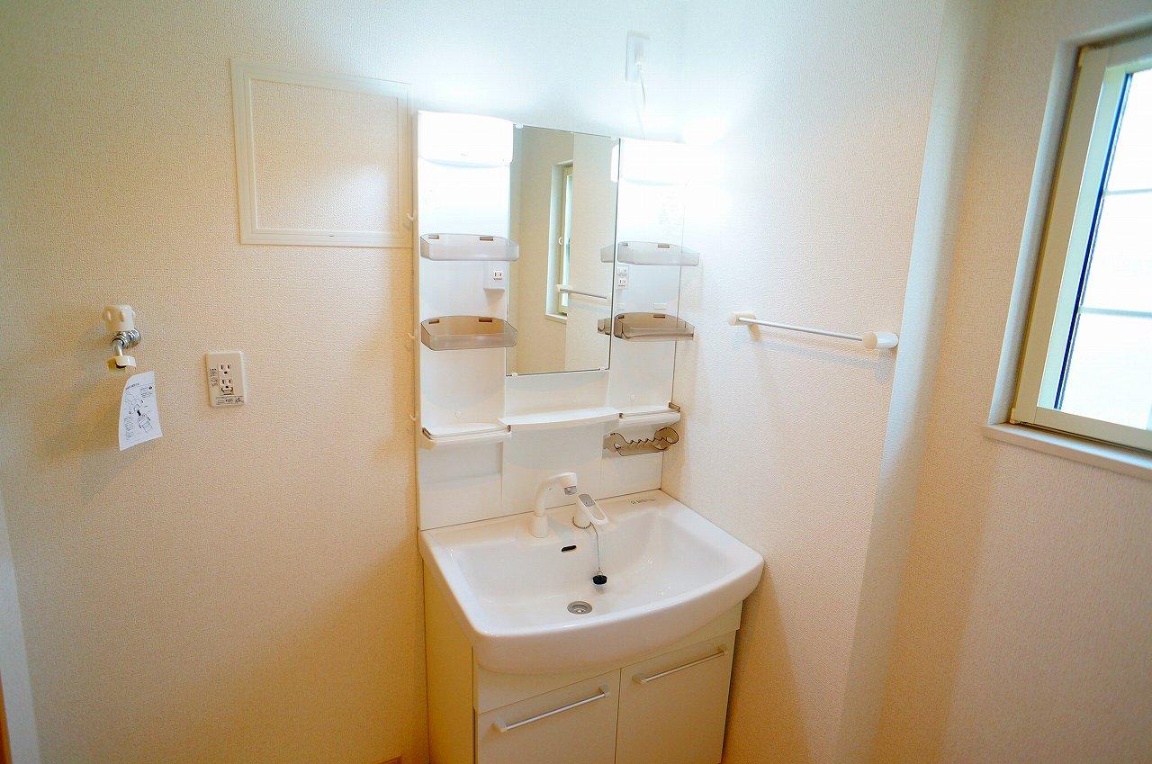グラン ベルテ Ⅰ 02040号室の洗面所