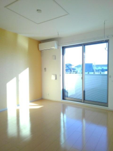 サウスヴァレーⅢ 01030号室のリビング