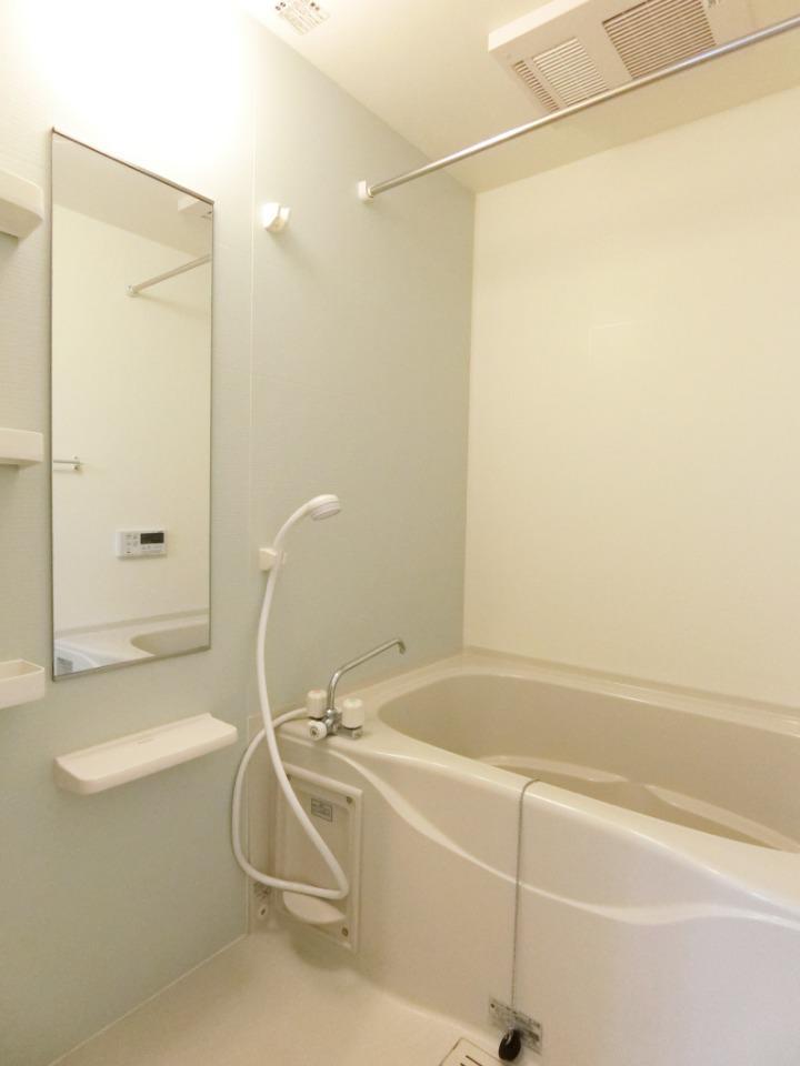 サウスヴァレーⅢ 02030号室の風呂