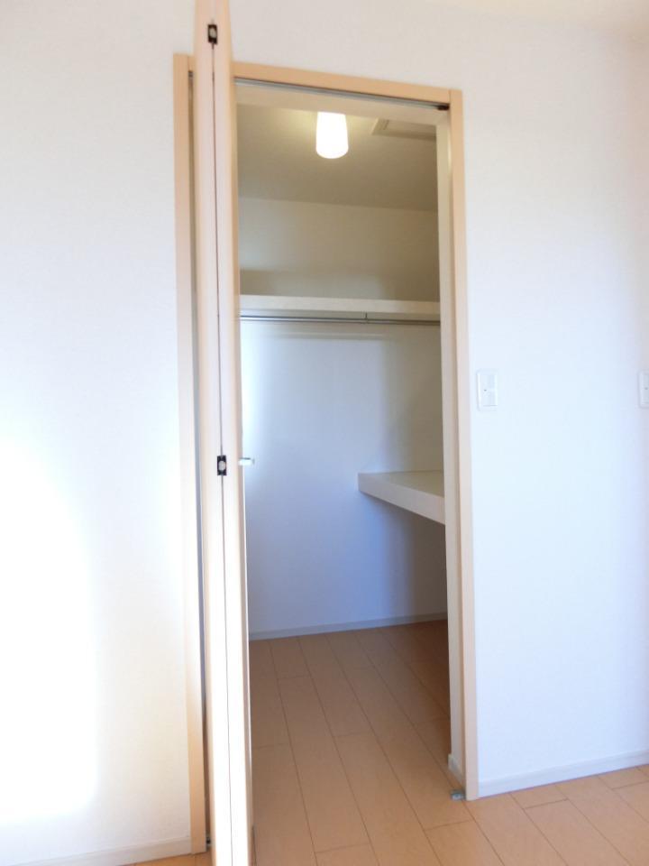 サウスヴァレーⅢ 02030号室の収納