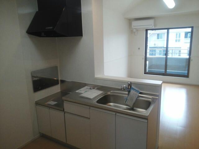 ブランドール 02030号室のキッチン