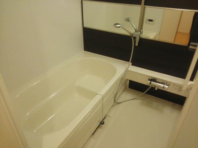 ブランドール 02030号室の風呂