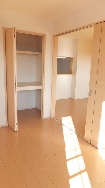 クレストガーデンⅣ 02030号室の収納