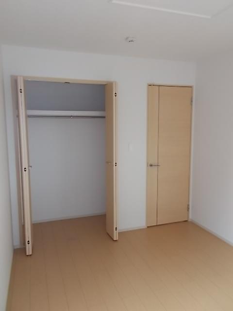 メゾン・ソレアード 01020号室の収納