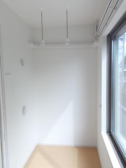 メゾン・ソレアード 01020号室のバルコニー