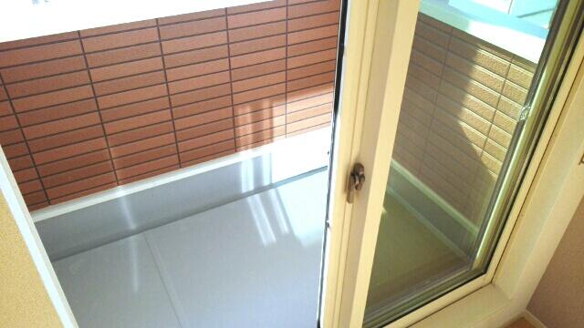 ルルディ フォティア 02010号室のバルコニー