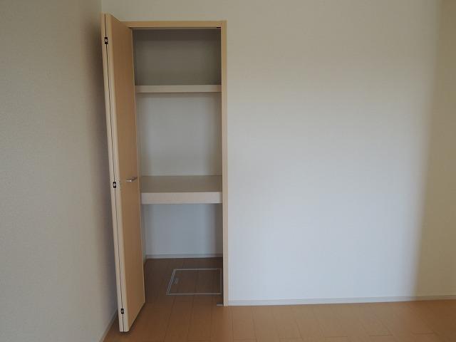 ディアコート 01010号室の収納