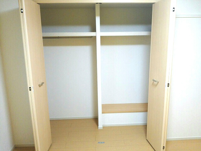 エアリーレジデンス 02010号室の収納
