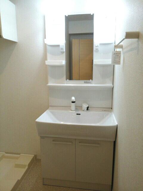 エアリーレジデンス 02010号室の洗面所