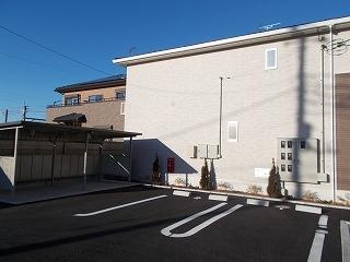 エアリーレジデンス 02010号室の駐車場