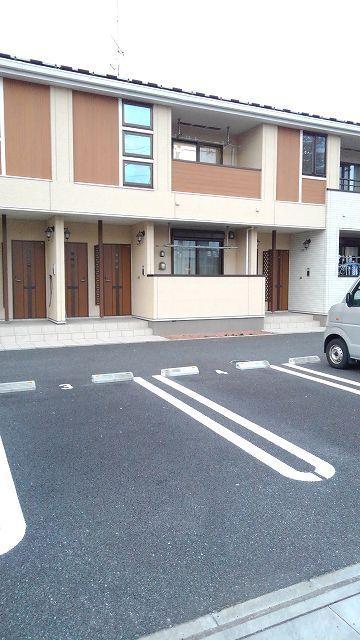 カーサ フェリジータ 02020号室の駐車場
