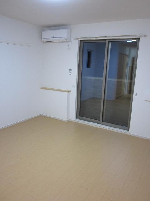 エタニティーK2 01010号室のリビング