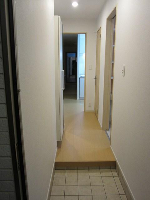 エタニティーK2 01010号室の玄関
