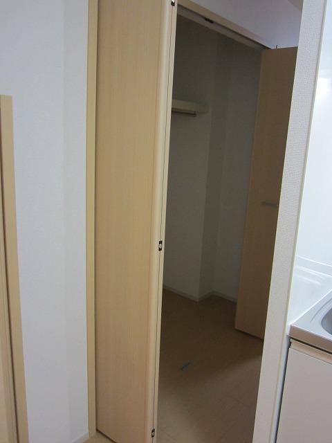 エタニティーK2 01010号室の収納