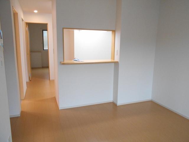 ルーチェ(LUCE) 01020号室のリビング