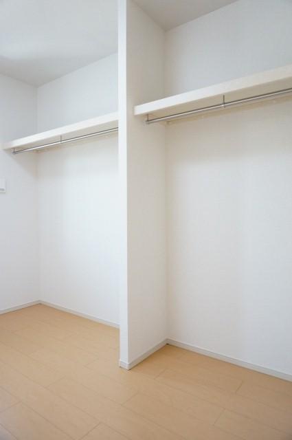 エイト フローラ 02010号室の収納