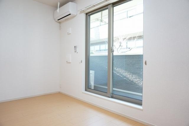 エイト フローラ 02010号室のバルコニー