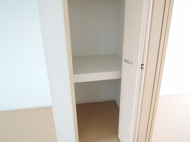 キューズ エリシオンA 01030号室の収納