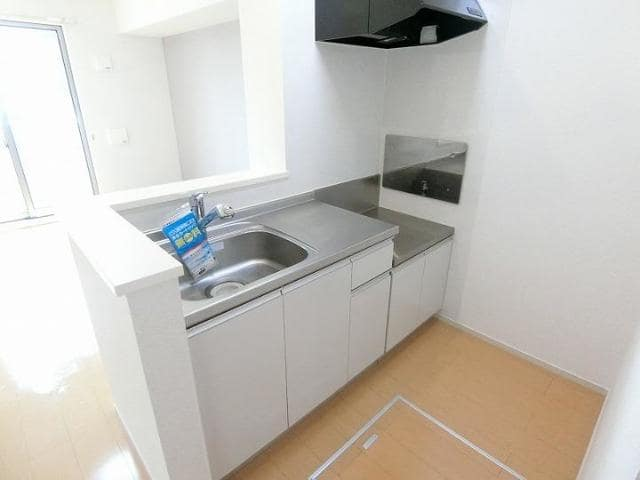 サンリット青柳D 01030号室のキッチン