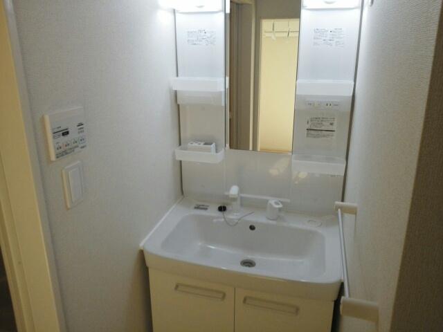 アンジュール 02010号室の洗面所