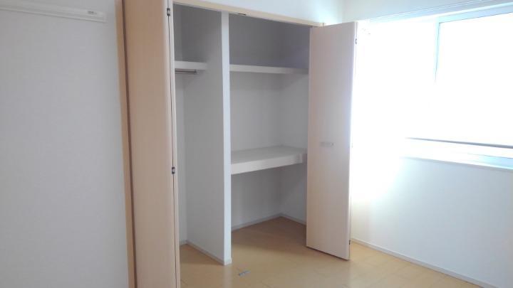 エルグランド 02040号室の収納