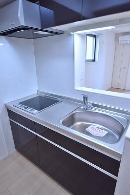 グラン レジデンス 02010号室のキッチン