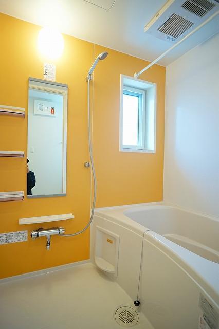 ウォーカーズ タウンC 02010号室の洗面所