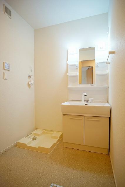 ウォーカーズ タウンC 02010号室のトイレ